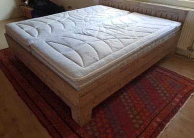2-persoons bed hout